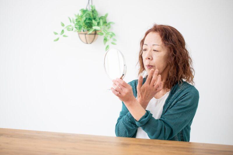 老人性乾皮症の症状を改善したい60代女性
