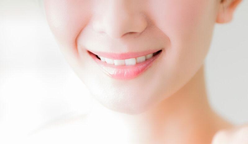 グリセリンが高濃度に配合された化粧品を使い美肌の女性